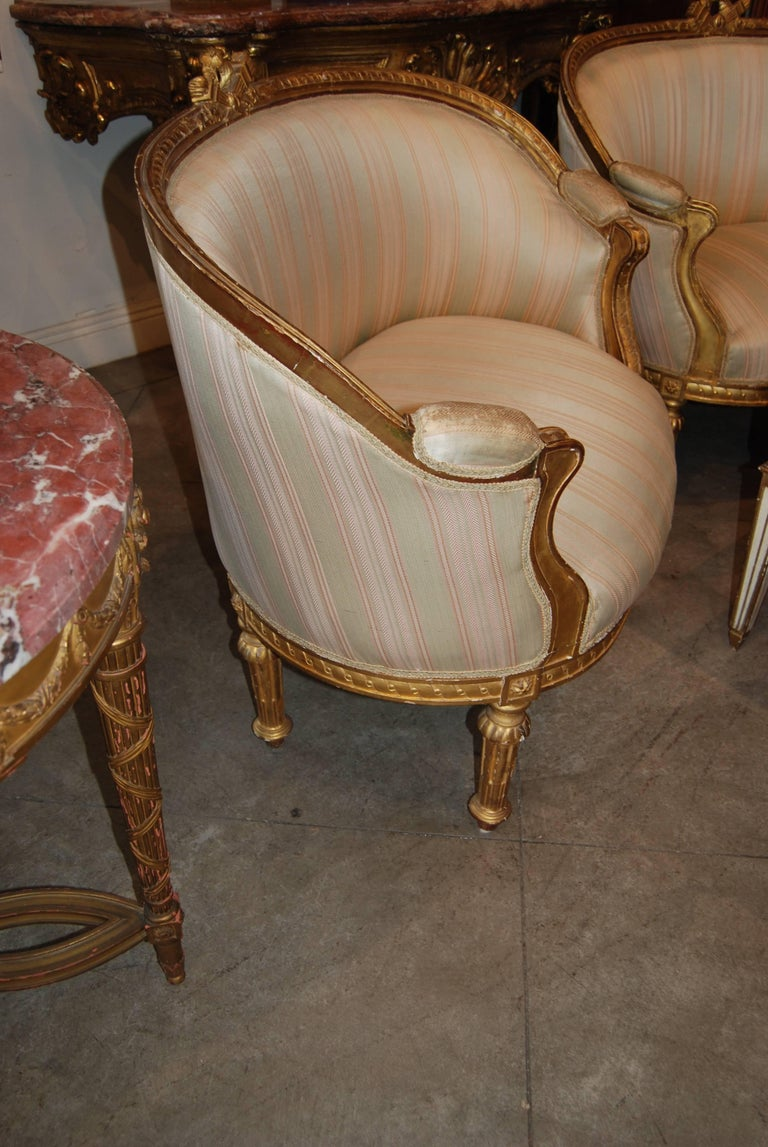 Exceptional Pair of Carved and Gilded Marquis Armchairs 3