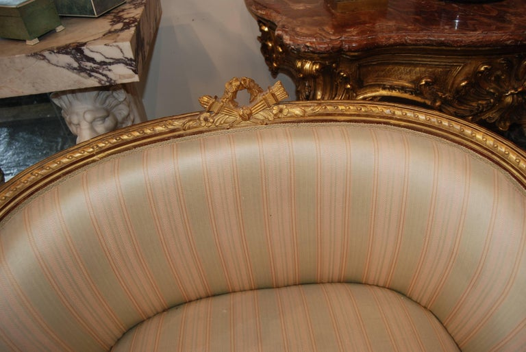 Exceptional Pair of Carved and Gilded Marquis Armchairs 2