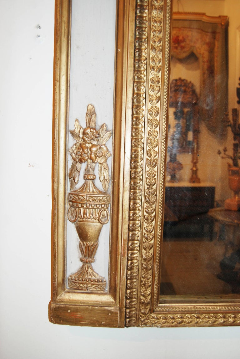 Exceptional Neoclassical Trumeau Mirror In Good Condition For Sale In New Orleans, LA
