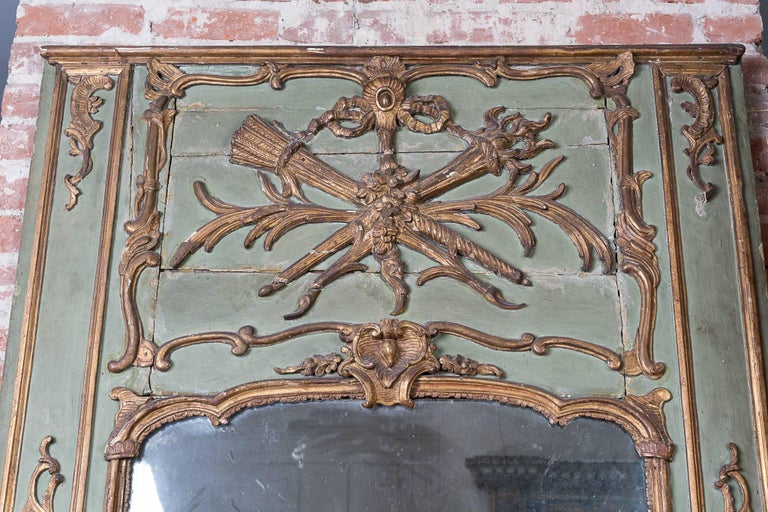 19th Century Painted and Gilded Trumeau Mirror In Good Condition For Sale In New Orleans, LA