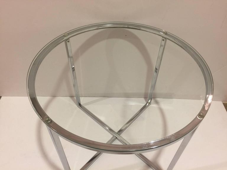 Mid-Century Modern 1970s Chrome and Glass Round End Table attributed to Milo Baughman For Sale
