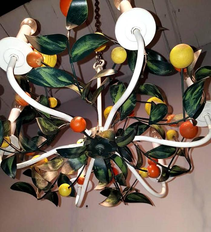 Mid-Century Modern Italian Painted Tole and Wood Chandelier For Sale