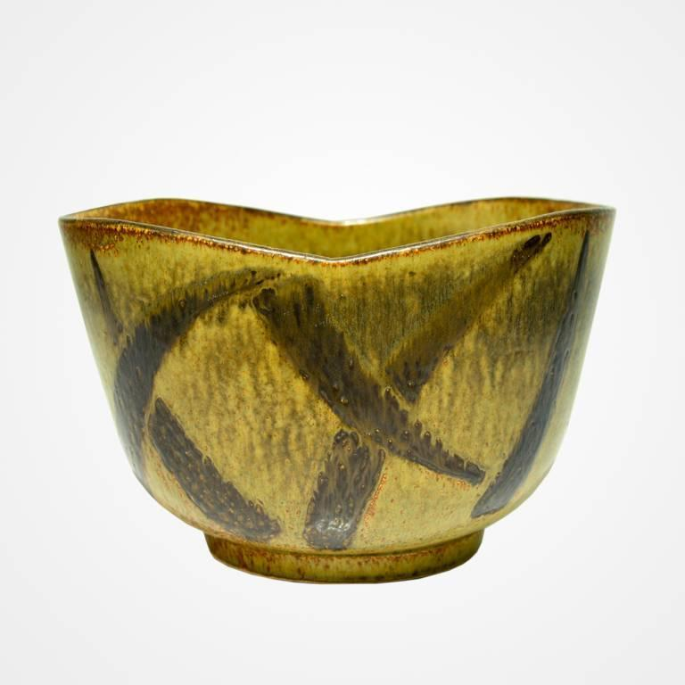 Unique studio piece by Eva Stæhr Nielsen. This massive bowl, perhaps the largest known work bt Staer-Nielsen, was collected by the Architect Robert Berghagen and was exhibited at the Prins Eugens Waldemarsudde; a National Museum. Reminiscent of an