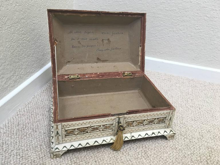 Early 19th Century Russian Stained and Carved Bone Table Casket For Sale 2