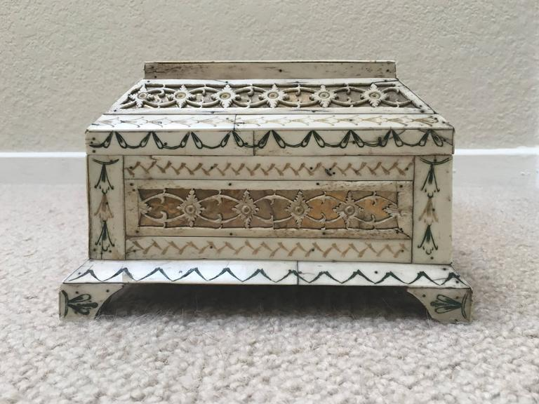 Early 19th Century Russian Stained and Carved Bone Table Casket For Sale 4