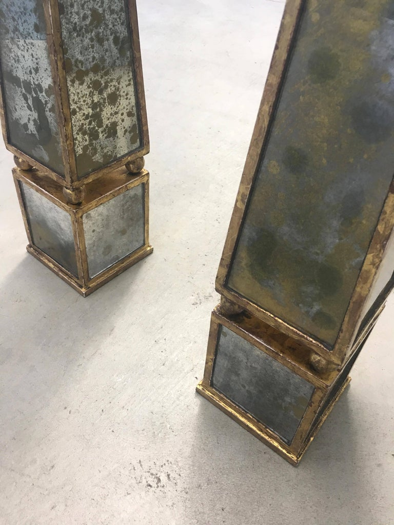 Pair of Classic Antique Gold Mirror Obelisks with Rubbed Gold Leaf Armature In Good Condition For Sale In San Francisco, CA