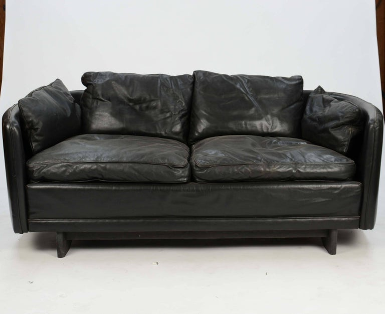 Hans Olsen Loveseat in Distressed Leather with a Curved Surround Back 2