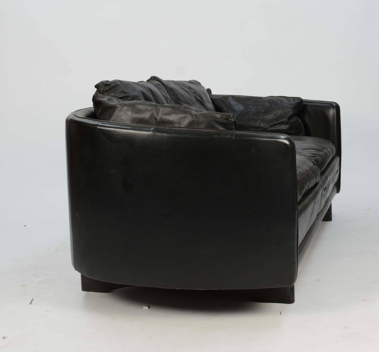 Hans Olsen Loveseat in Distressed Leather with a Curved Surround Back 3
