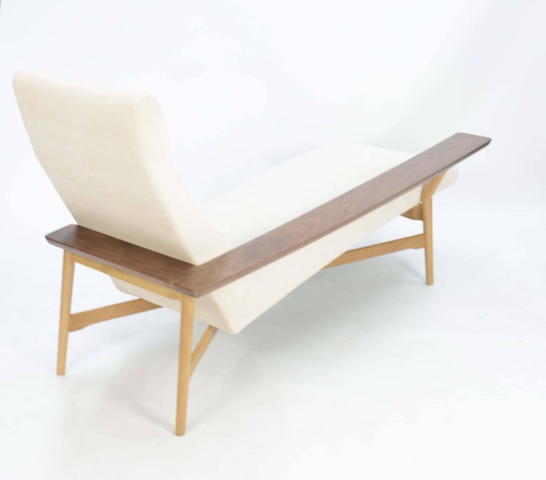 Finnish Tateishi Shoiji Chaise Lounge in Oak and Walnut For Sale