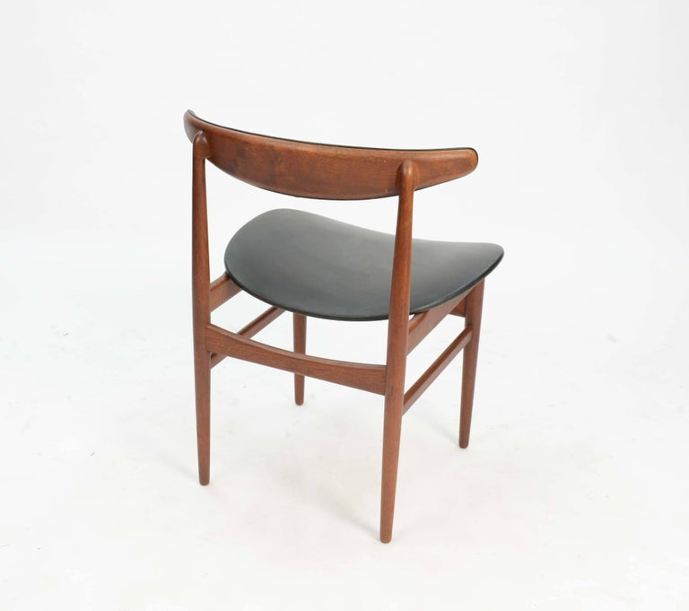 Danish Set of Six 218A Compass Back Chairs by Vamdrup Stolefabrik of Denmark For Sale