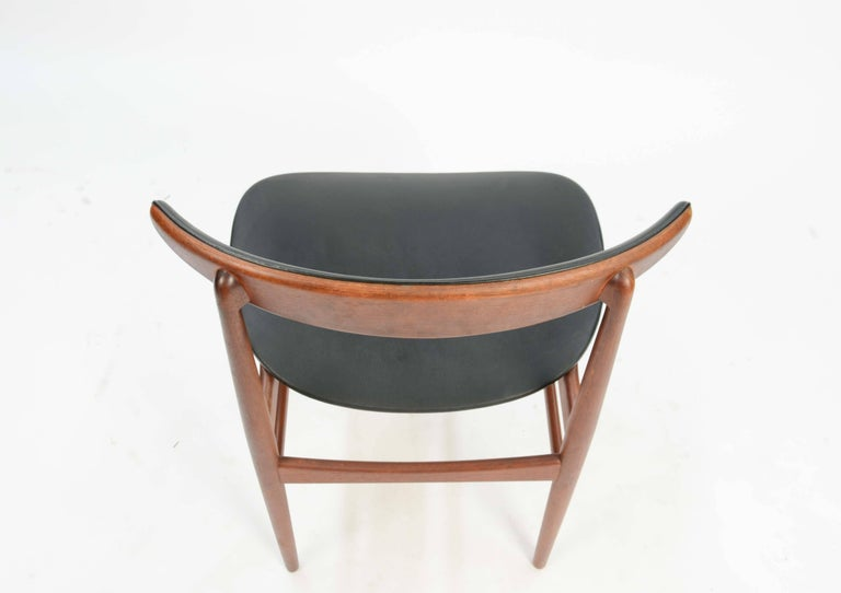 Mid-20th Century Set of Six 218A Compass Back Chairs by Vamdrup Stolefabrik of Denmark For Sale