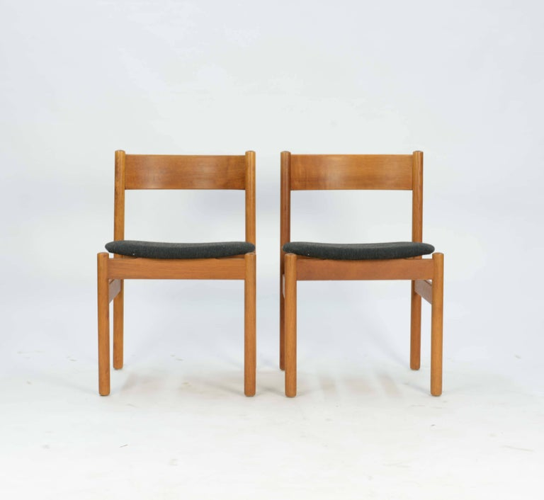 Scandinavian Modern Set of Four FDB Mobler Floating Seat Dining Chairs after Borge Mogensen For Sale