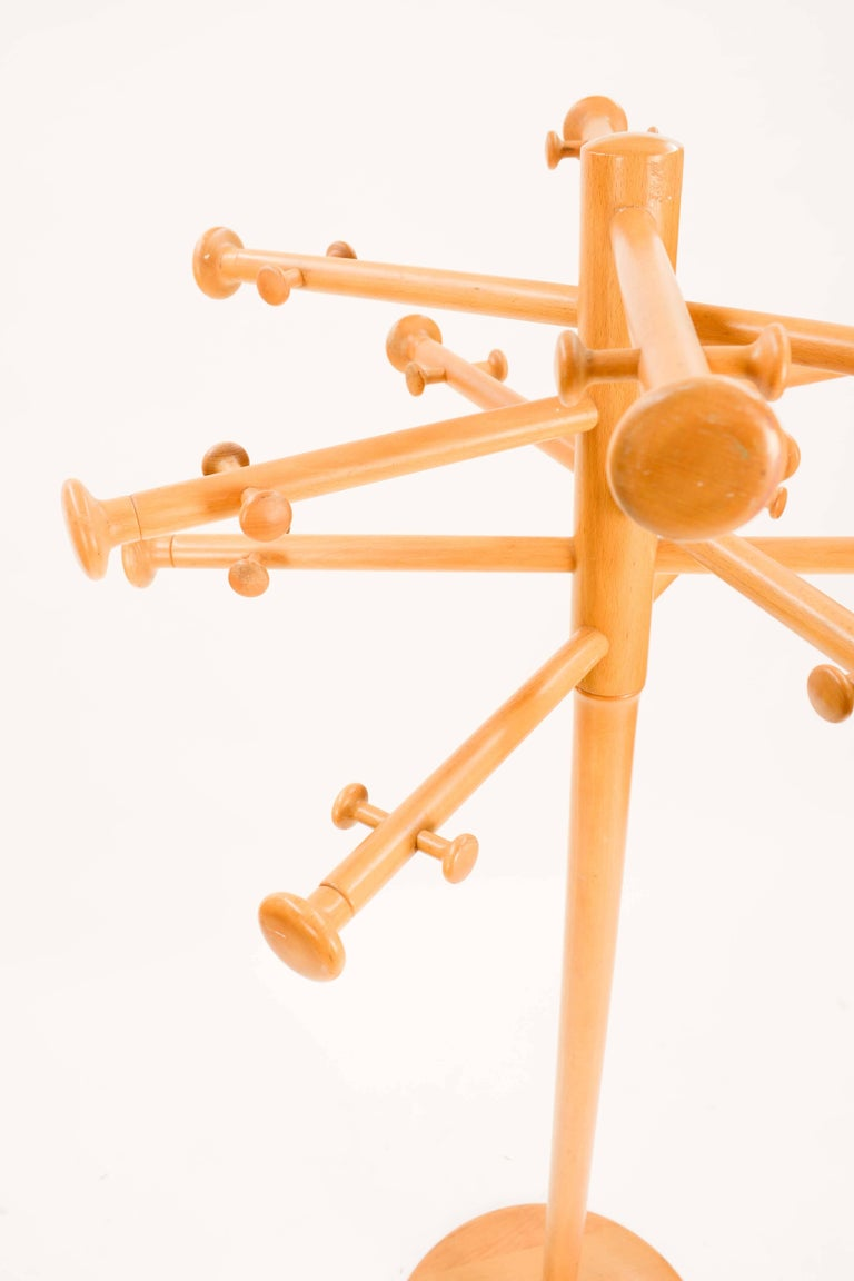 Nanna Ditzel's Iconic Snow Flake Coat Stand for Kold Savvaerk, 1963 For Sale 3