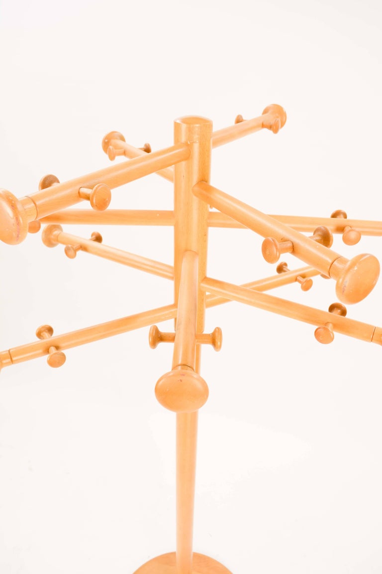 Nanna Ditzel's Iconic Snow Flake Coat Stand for Kold Savvaerk, 1963 For Sale 1