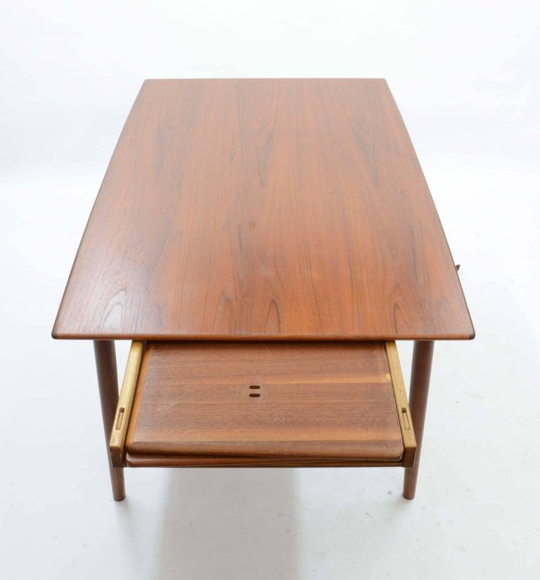 Alfred Christensen's Boomerang Teak Dining Table Slagelse Møbelfabrik of Denmark In Good Condition For Sale In Portland, OR