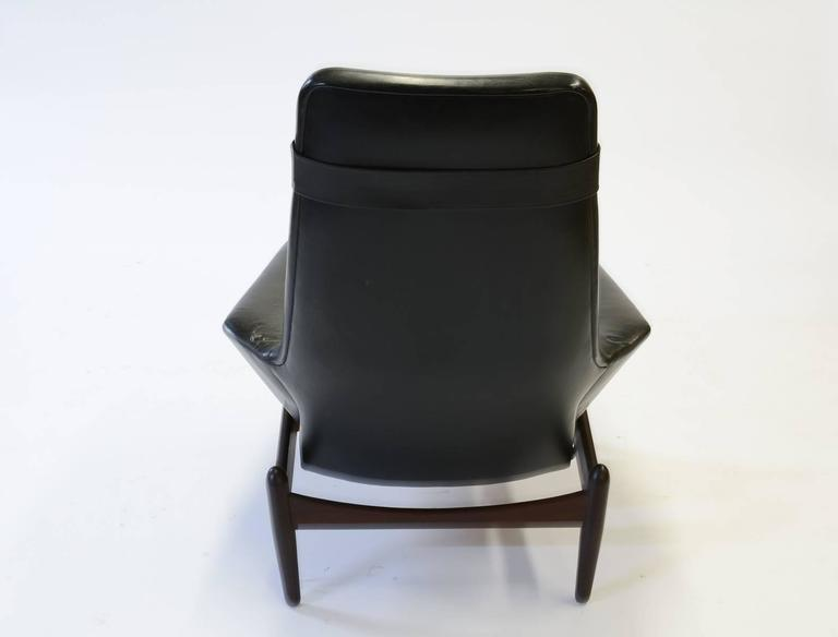 Norwegian Elegant PD 30 Chair by Ib Kofod- Larsen for Povl Dinesen Reclining Club Chair For Sale