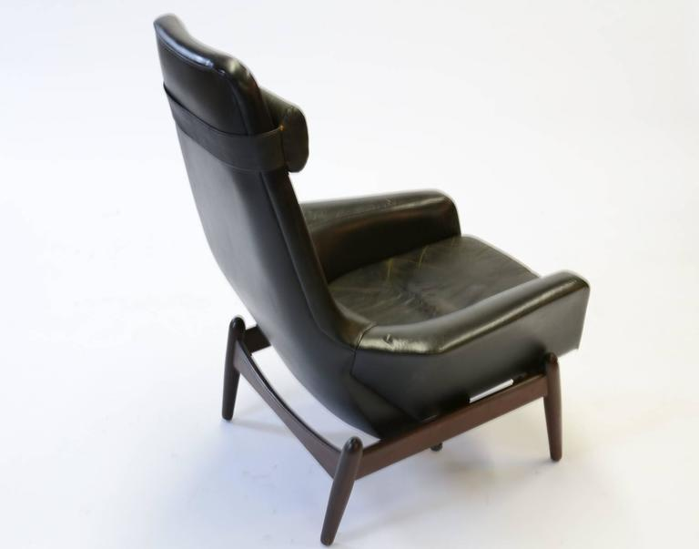 Elegant PD 30 Chair by Ib Kofod- Larsen for Povl Dinesen Reclining Club Chair In Good Condition For Sale In Portland, OR