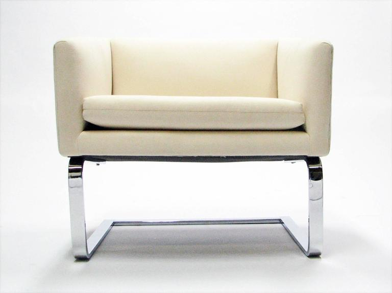 Mid-Century Modern Sculptural Pair of Mid-Century Club Chairs with Chrome Bases and New Fabric For Sale
