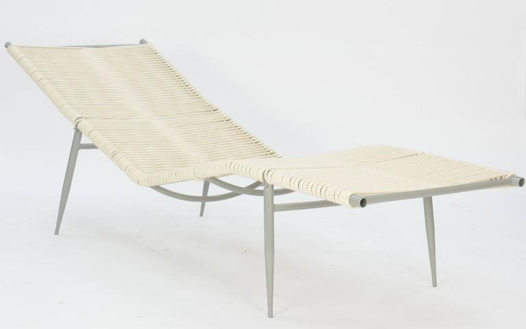 Mid-Century Modern Pair of Elegant Vintage Chaises After Van Keppel and Green Designs For Sale
