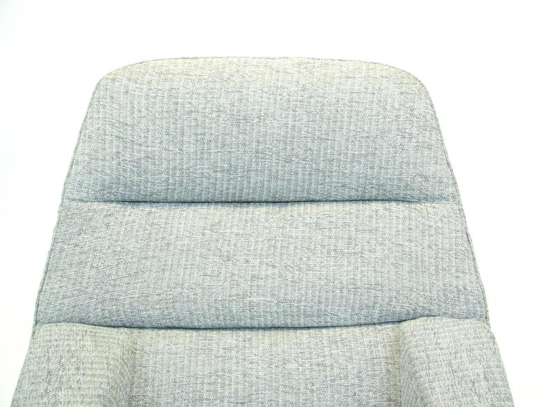 Fabric Danish ML 91 Lounge Chair by Illum Wikkelsø for Mikael Larsen For Sale