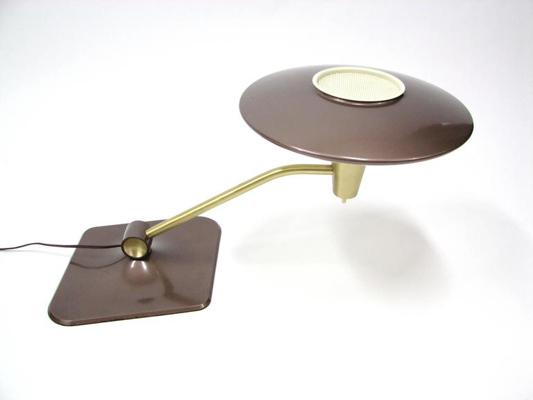 Mid-Century Dazor 'Flying Saucer' Desk Lamp 3