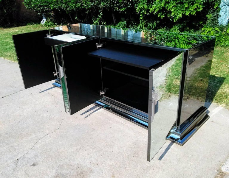 Mid-Century Mirrored and Chromed Credenza by O.B. Solie for Ello For Sale 1