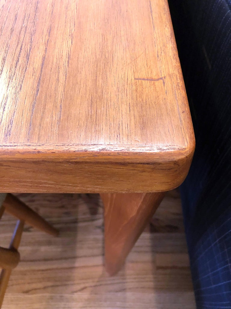 Midcentury Danish Teak Dining Table with Pull-Out Leaves by Henning Kjærnulf For Sale 3