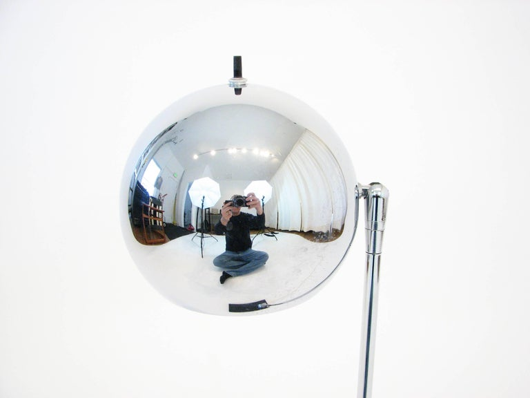 Mid-Century Modern Midcentury Polished-Chrome Orb Table Lamp by Robert Sonneman For Sale