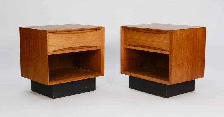Scandinavian Modern Pair of Drylund or Denmark's Nightstands in Teak After Arne Vodder For Sale