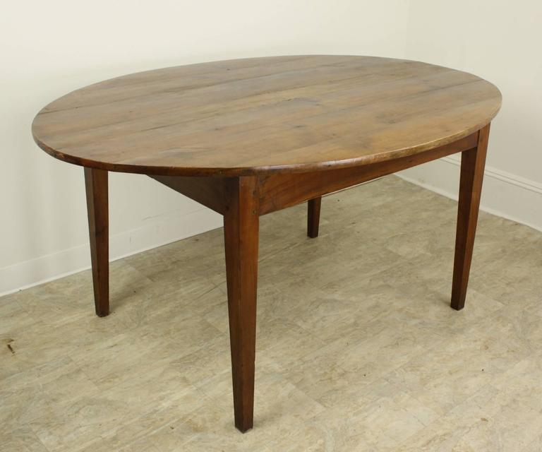 antique french oval cherry dining table for sale at 1stdibs. Black Bedroom Furniture Sets. Home Design Ideas