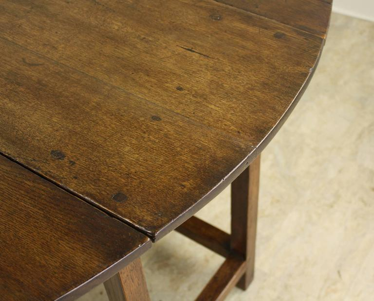 Period English Oak Gateleg Dining Table For Sale 1