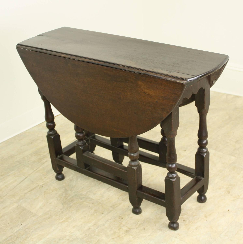 Welsh Period Oak Gate Leg Drop Leaf Table For Sale At 1stdibs