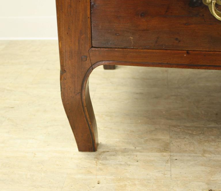 Antique Cherry Coffee Table With Cabriole Legs At 1stdibs
