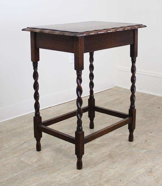 Superbe A Charming Simple Occasional Table In Dark Oak With Eye Catching Barley  Twists Detail.