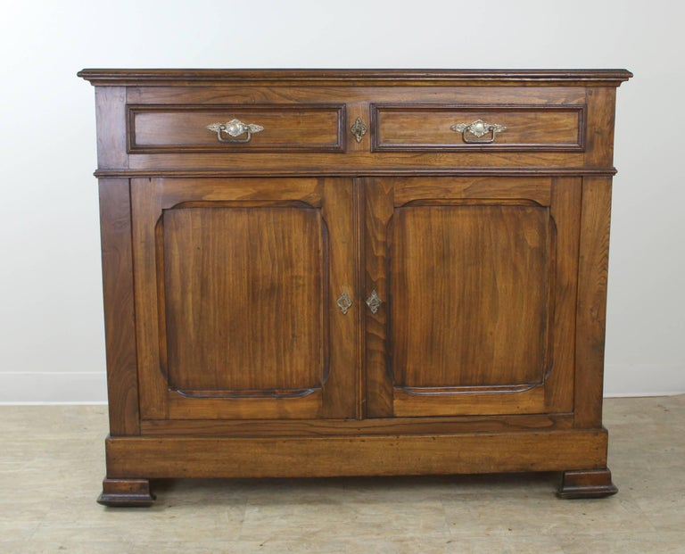 Antique French Two-Door Elm Buffet In Good Condition For Sale In Port Chester, NY