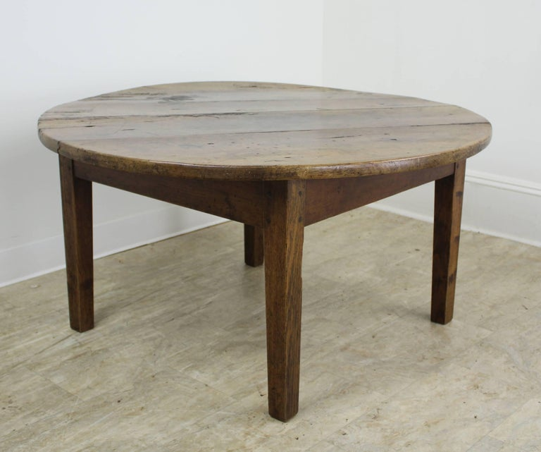 rustic antique round french cherry coffee table at 1stdibs. Black Bedroom Furniture Sets. Home Design Ideas