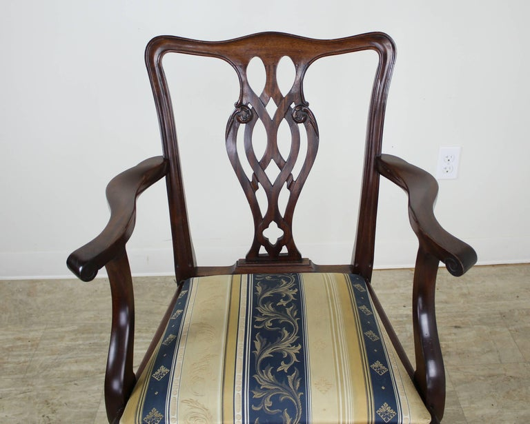 20th Century Set of Eight English Mahogany Chippendale Style Dining Chairs For Sale