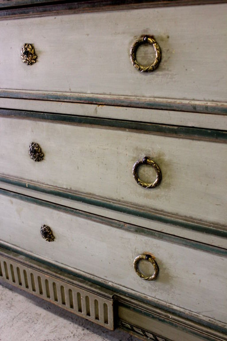 Louis XVI Cabinet with Original Marble Surface For Sale 2