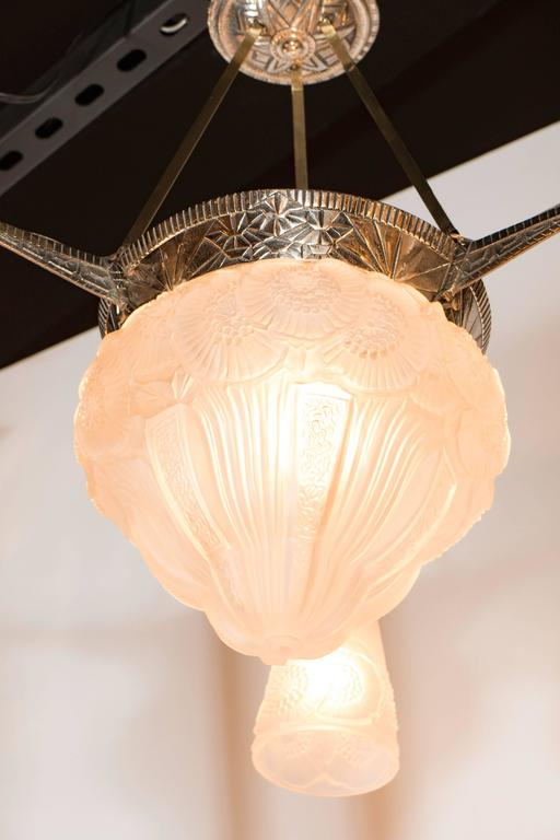 Three-Arm French Art Deco Chandelier with Frosted Glass Foliate Detailed Shades For Sale 2