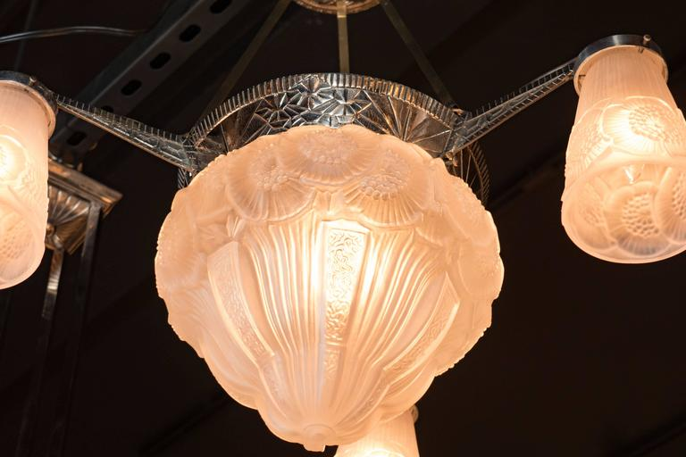 Three-Arm French Art Deco Chandelier with Frosted Glass Foliate Detailed Shades For Sale 5