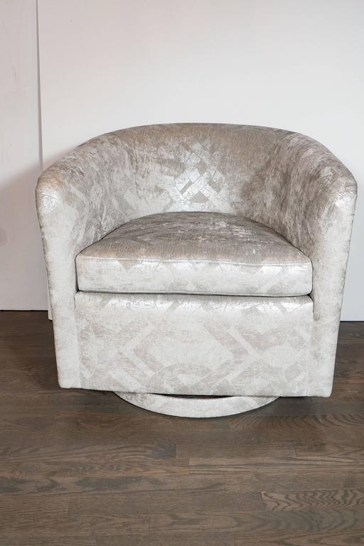 Milo Baughman Swivel Chair In Embossed Pearl And Metallic