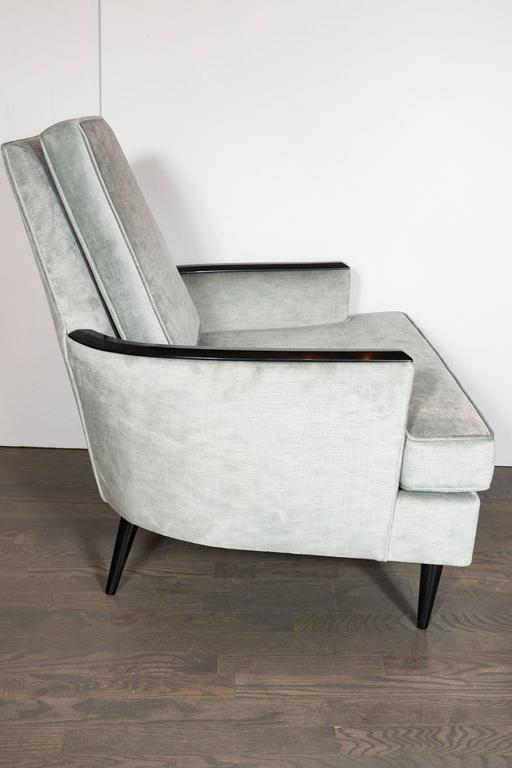 Mid-Century Modern Pair of Mid-Century Armchairs in Smoked Platinum Velvet and Ebonized Walnut For Sale