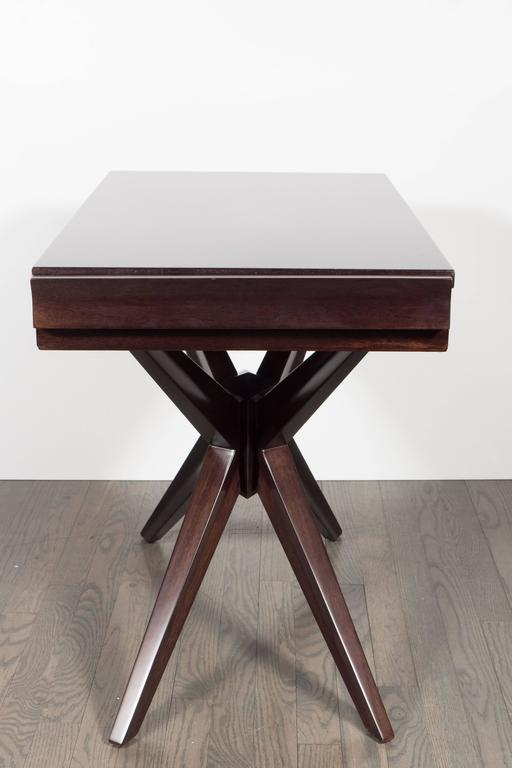 This Graphic Mid Century Modern Sculptural End Table Was Realized In The  United States,