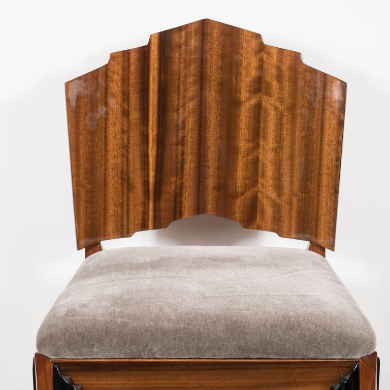 Mid-20th Century Art Deco Skyscraper Vanity/ Desk Chair in Bookmatched Walnut and Black Lacquer For Sale