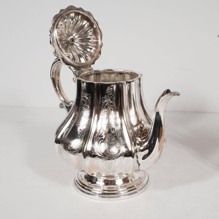 Elegant Neoclassical Silverplated Coffee/Tea Service by Elkington & Co. In Good Condition For Sale In New York, NY