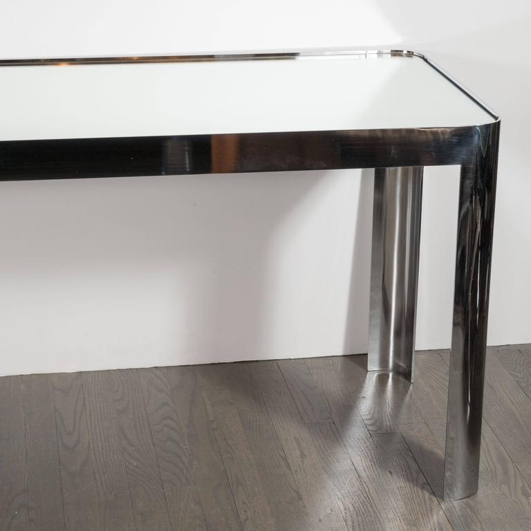 Mid-Century Modernist Console Table in Seamless Polished Chrome & Mirror by Pace In Excellent Condition For Sale In New York, NY
