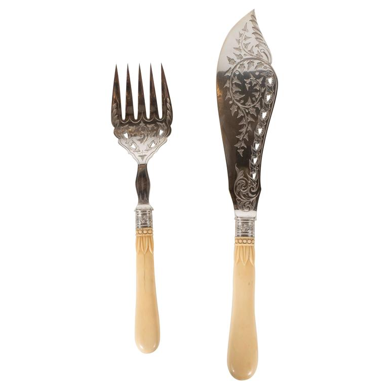 Silver Plate Victorian Fish Set With Bone Handles And