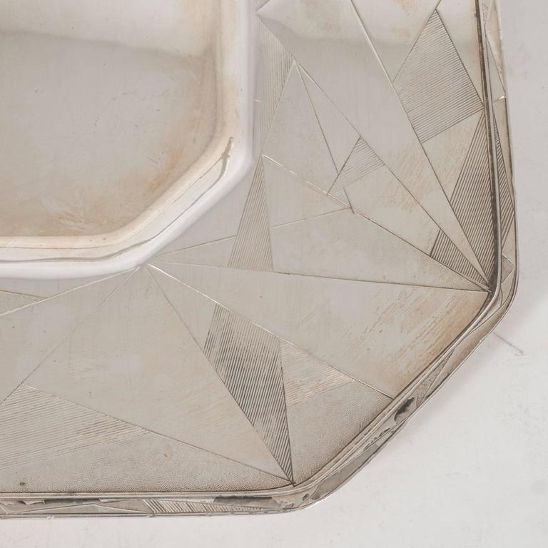 Art Deco Skyscraper Style Silver Plated Tray with Chased Geometric Designs 6
