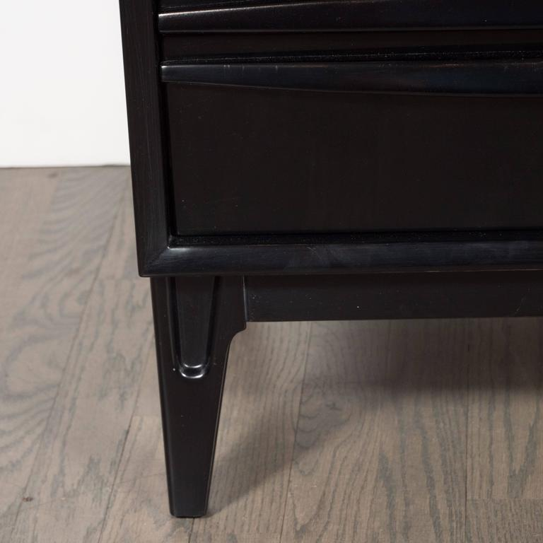 Ebonized Walnut Mid-Century Modern Sculptural End Tables or Nightstands In Excellent Condition For Sale In New York, NY