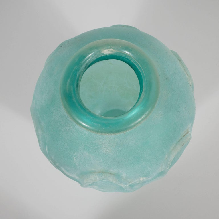 Italian Mid-Century Modern Scavo Finish Murano Glass Aquamarine Vase by Seguso of Italy For Sale